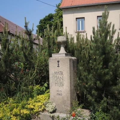 11 - Husův památník v H. Dubénkách