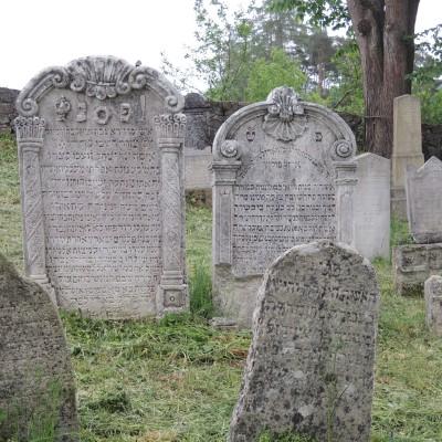 21 - barokní náhrobky