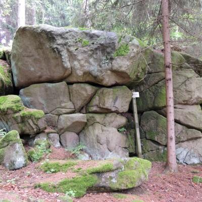 typický skalní srub
