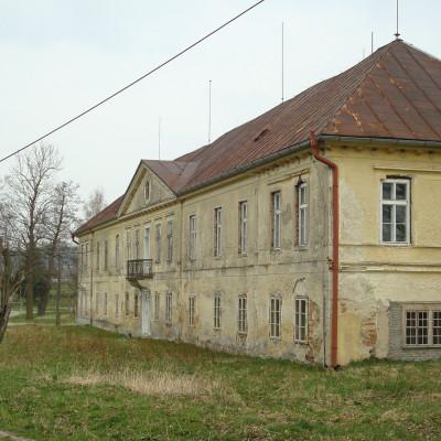 07-sternbachuv-zamek-v-dobrohori