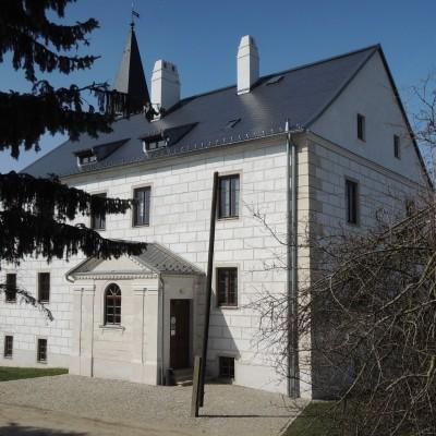 14-rekonsruovany-zamek