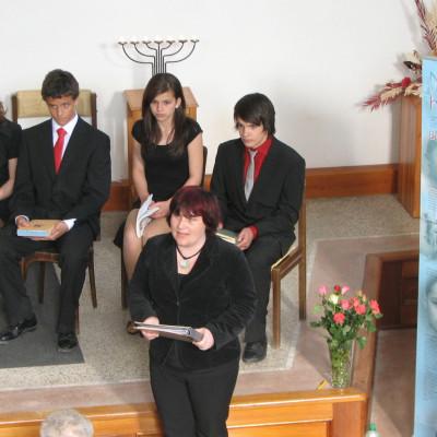 žáci s učitelkou