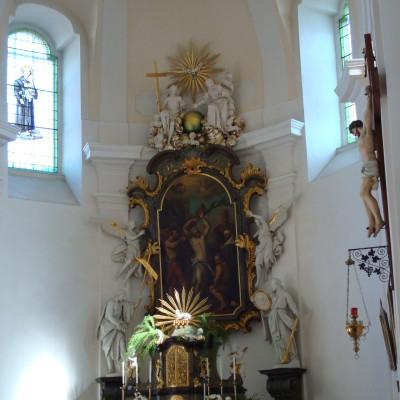 hlavní oltář kostela