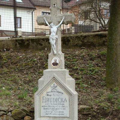 hrudičkův hrob