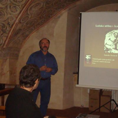přednáška dr. Houzara