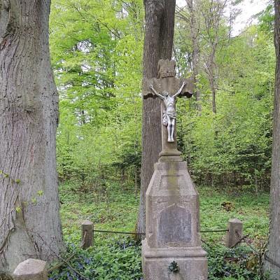 11 - kříž rodiny Benešovy