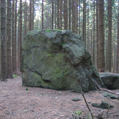 06 kamenný menhir