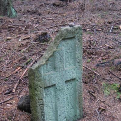 07 smírčí kámen na Lávecké cestě