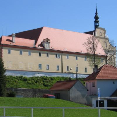 karmelitánský klášter v Dačicích