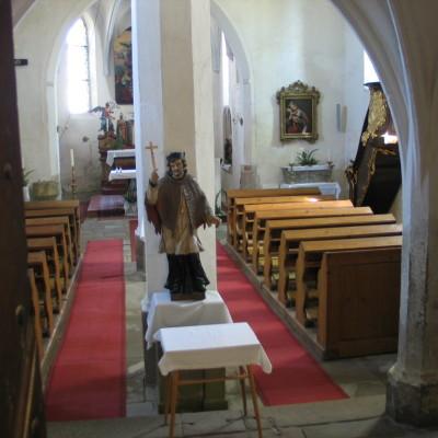 vnitřek rudoleského kostela