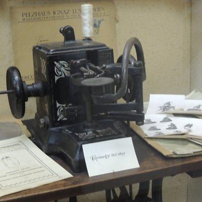 Kožešnický stroj