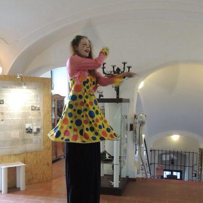 Kejklířka v muzeu