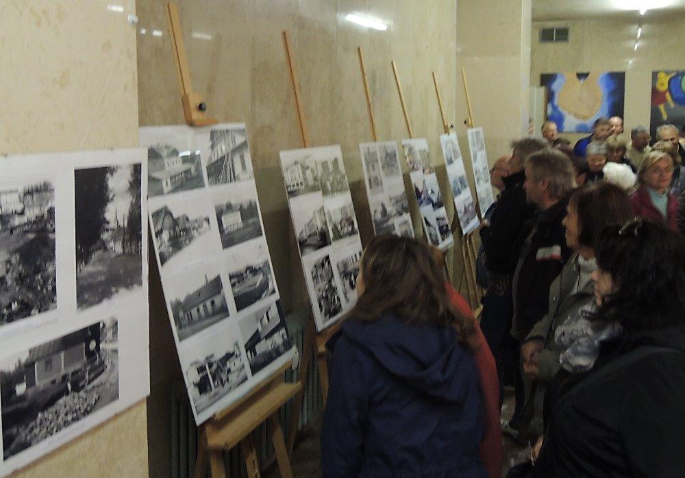Výstava v chodbě