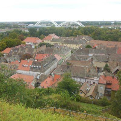 Pohled na město v dolní části