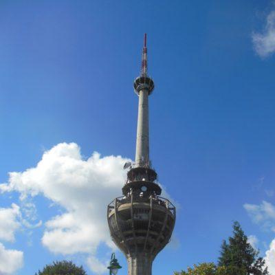 Televizní věžna vrchu Iriški Venac