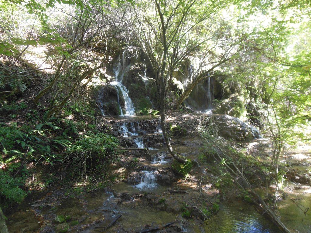 Malý vodopád v údolí U Petra