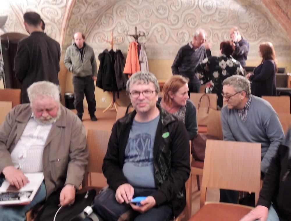 Muzejníci před přednáškou
