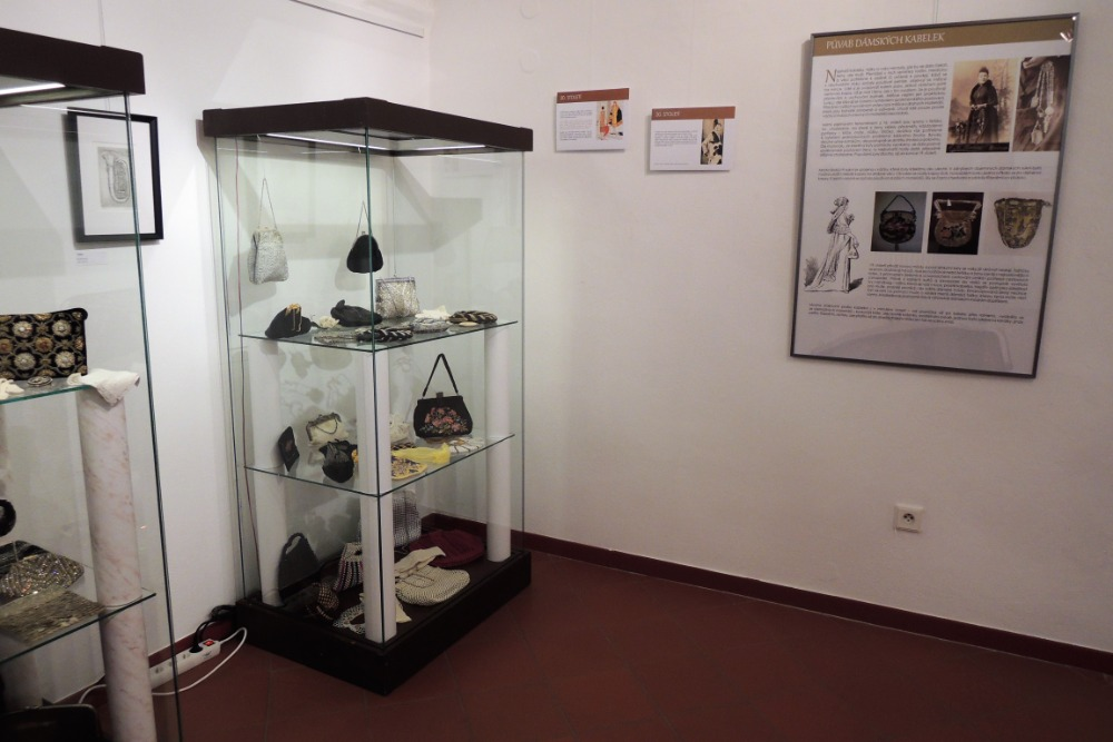Výstava kabelek