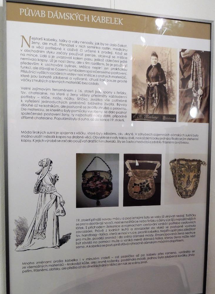 Panel o historii kabelek