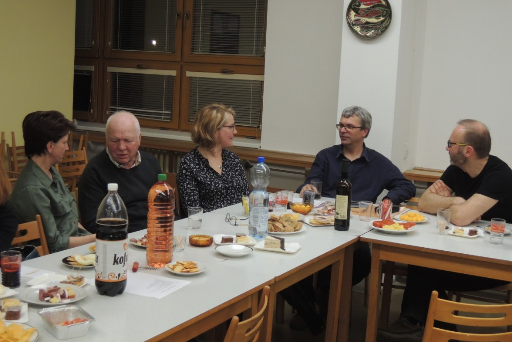 Diskuse s občerstvením