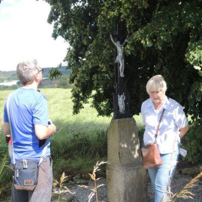 Křížek u cesty k Zákotskému rybníku